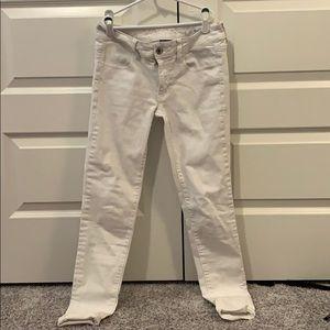 White Jeans/Jeggings